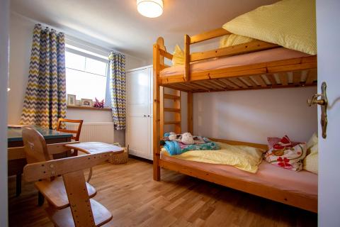 Blick ins Kinderzimmer unserer Ferienwohnung Bauland.